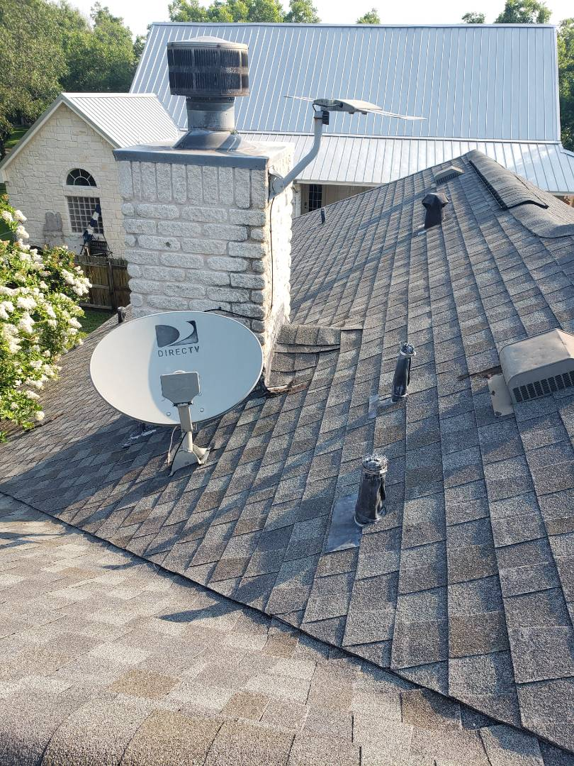 Kingsland, TX - Roof estimate for hail damage  Free roof inspection  Roof Insurance experts