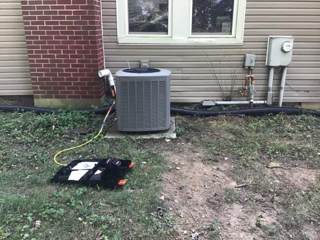 Huber Heights, OH - Lennox AC repair, unit has small leak