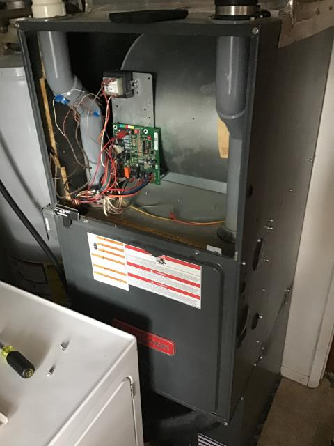 Huber Heights, OH - Reprogrammed thermostat for Goodman furnace. Now the thermostat is working properly.