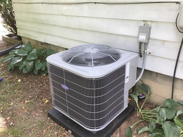Beavercreek, OH - I installed a new Carrier 16 SEER 2 Ton Air Conditioner