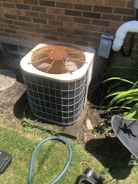 Xenia, OH - I installed a new Carrier 13 SEER 2.5 Ton Air Conditioner
