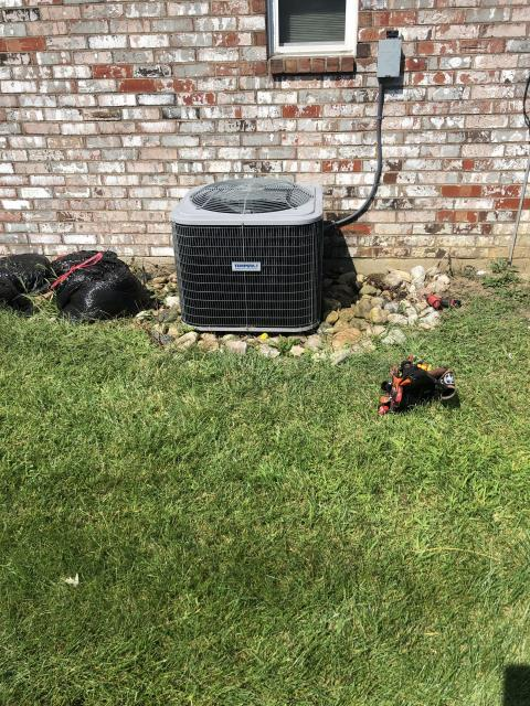 Huber Heights, OH - Customer stated when he turned the 2011 Tempstar AC on the outdoor unit compressor came on how are the fan did not.