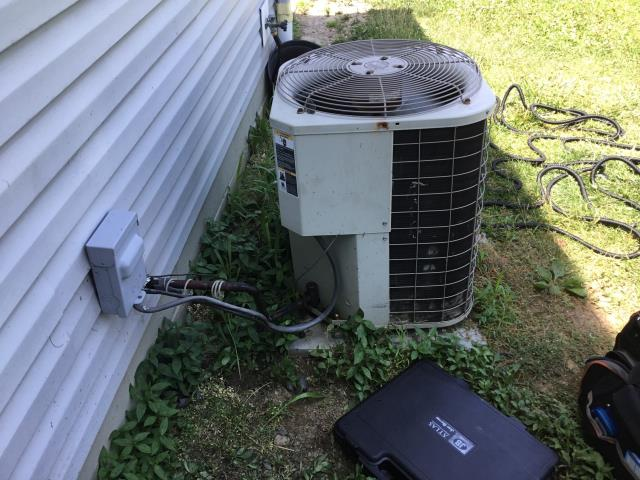 Beavercreek, OH - I gave an estimate to install a Five star 100,000btu 4 ton air conditioner to replace a Bryant air conditioner. Included in the estimate is a 1 year free service maintenance agreement.