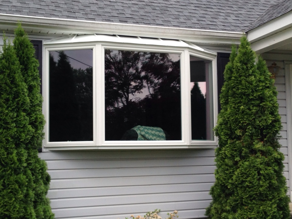 Bear, DE - An Andersen Bay Window recently installed by Homecraft, Inc