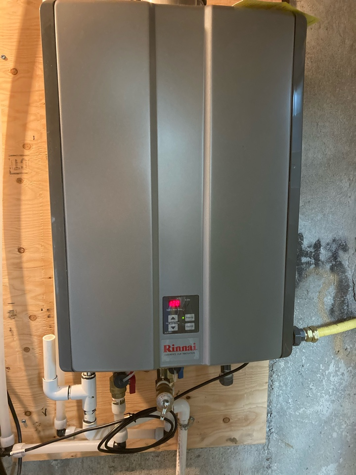 Guelph, ON - Amana AMEC Furnace and Rinnai Tankless Water heater install in Guelph.