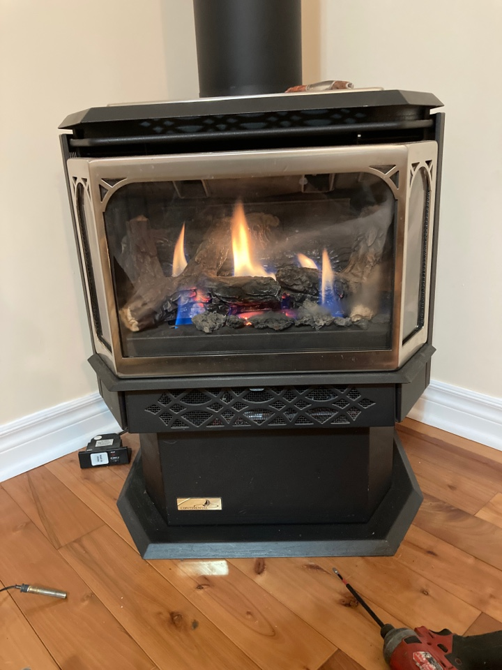 Guelph, ON - Fireplace service call for no heat in Guelph. Got this Napoleon fireplace back up and running with a few little parts.