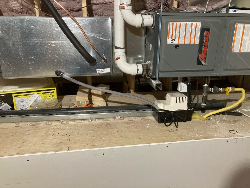 Cambridge, ON - Installation of a Horizontal Amana Furnace and AC in Cambridge Ontario