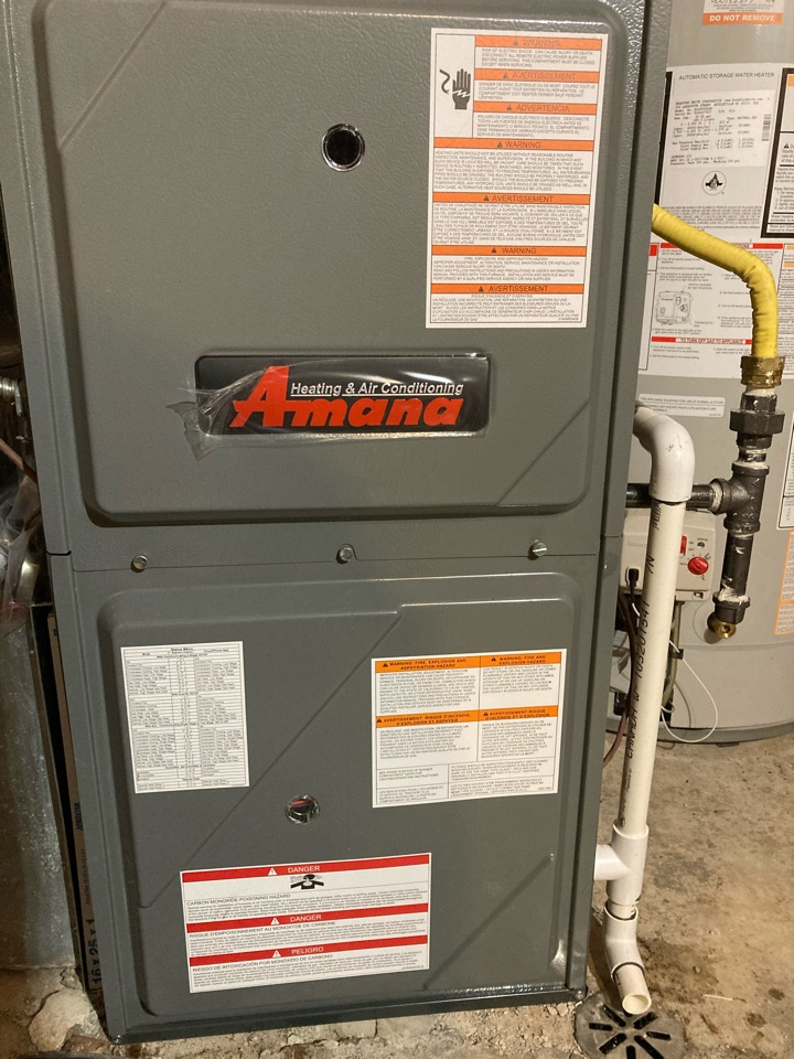 Guelph, ON - Installation of a new Amana AMvC96060 Furnace for a nice Guelph family. Replacing their old keeprite with a cracked heat exchanger.