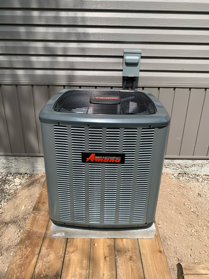 Guelph/Eramosa, ON - Installation of a new Amana ASX13 Ac system for a customer in rockwood