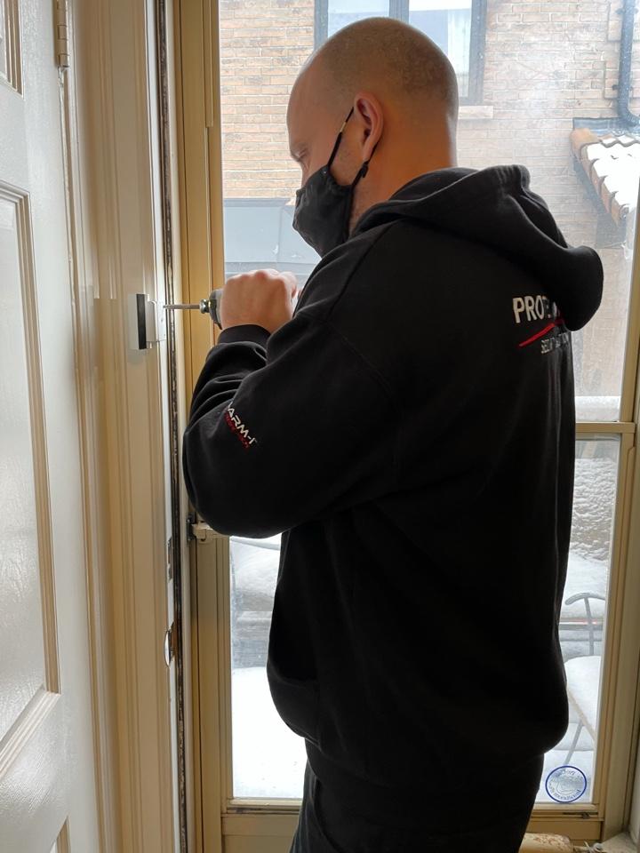 Residential locksmith services installation