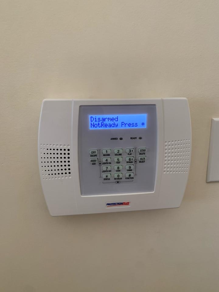 Old Toronto, ON - Installation of a new Honeywell lynx alarm system