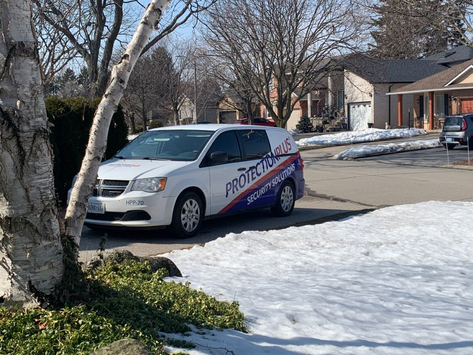 Oakville, ON - Service call to change battery on wireless device