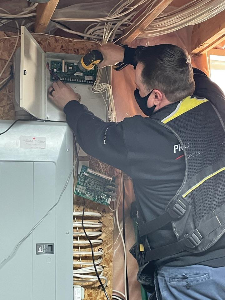 Vaughan, ON - Residential alarm system installation