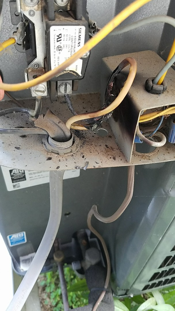 Loose electrical connection caused this wire to overheat and melt.