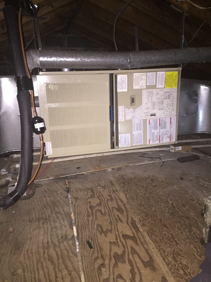 Creve Coeur, MO - Heating service call. Replaced gas valve on Comfortmaker 80% gas furnace. Cleaned flame sensor and pressure switch. System operating properly upon departure.