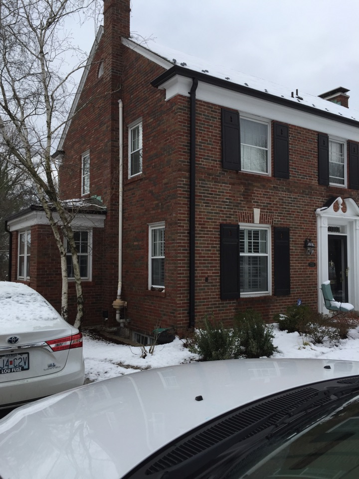 Clayton, MO - Home inspection.  Checked to see if the heating and cooling system can be modified to increase the amount of heat dispersed throughout the home.