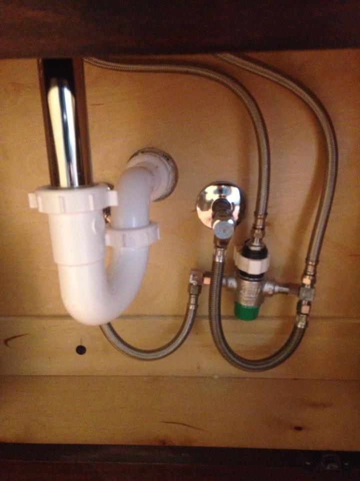 Dwight, IL - Fix leak under bath lav drain