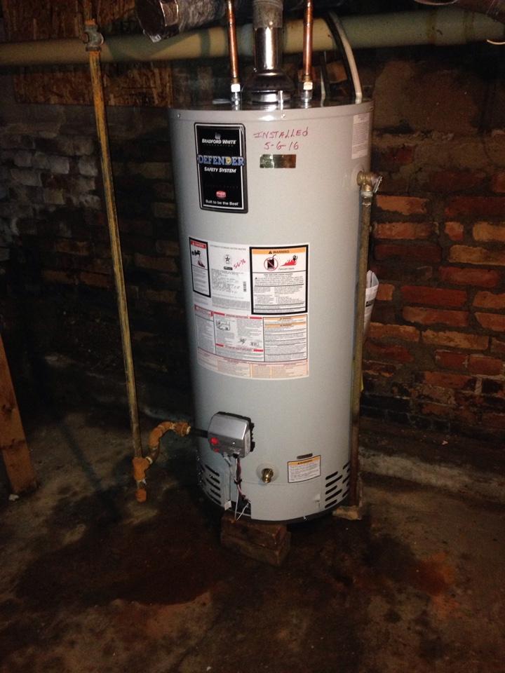 Minonk, IL - Install water heater