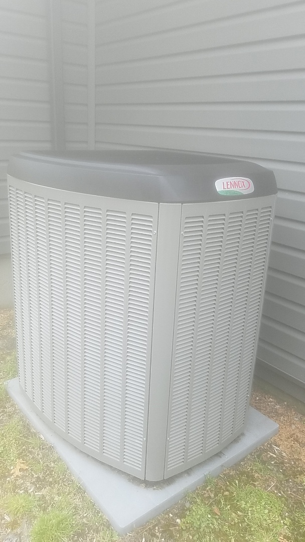 Central Islip, NY - Performing ac pm on a lennox split in central islip