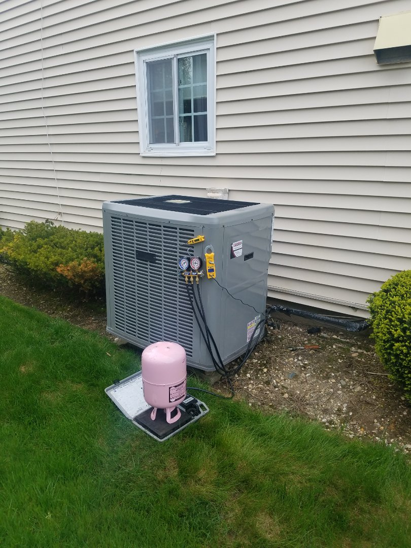 Woodbury, NY - Air conditioning maintenance plus Service  Charged unit 410a Refrigerant