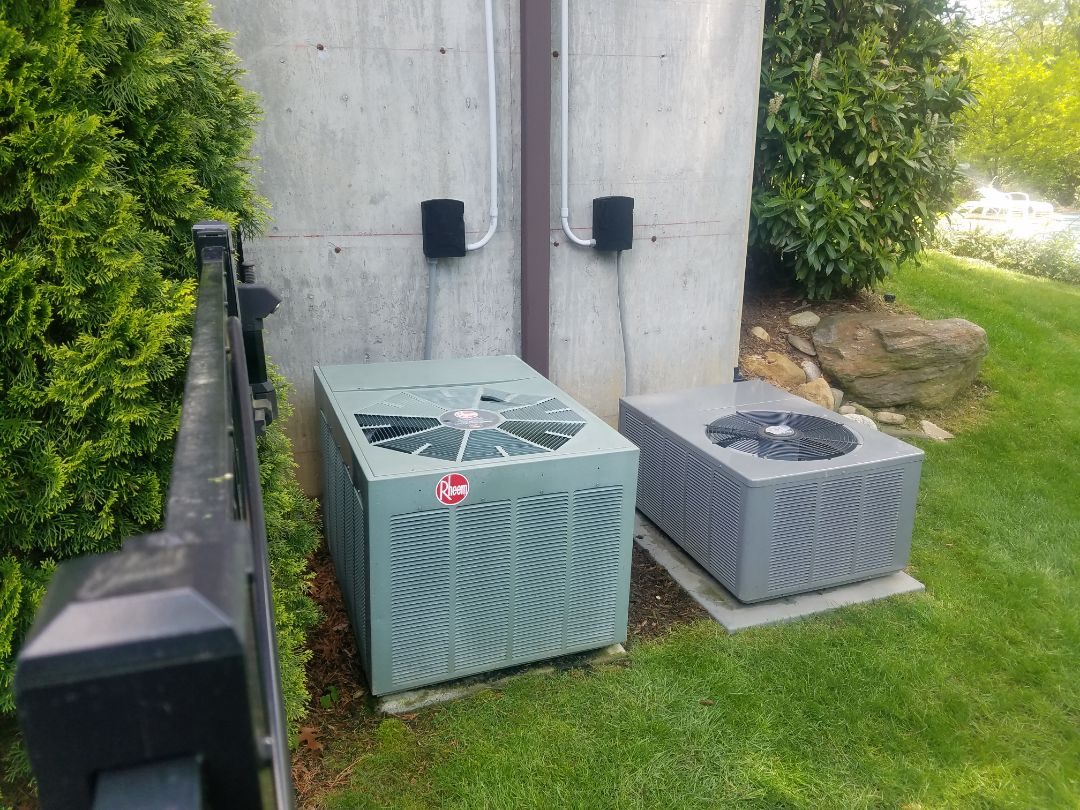 2 zone Air conditioning maintenance and Service 410a 2 ton master bed R22 4ton main House