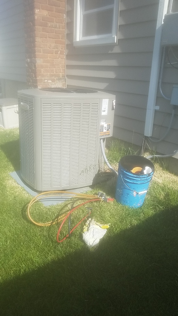 East Meadow, NY - Performing ac pm on a lennox split in massapequa