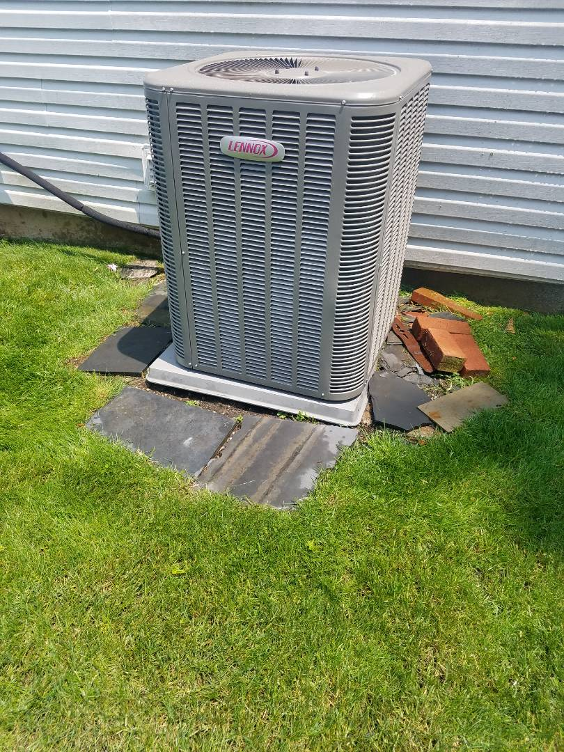 Albertson, NY - Lennox Air Conditioning Preventive Maintenance Inspection