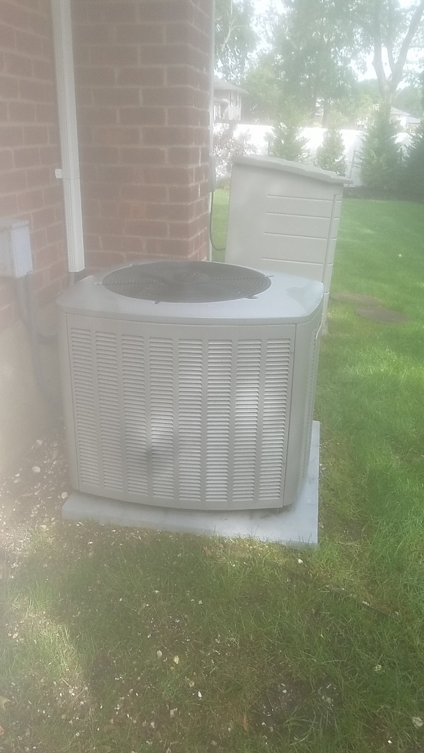 Melville, NY - Performing ac pm on a lennox split in melville
