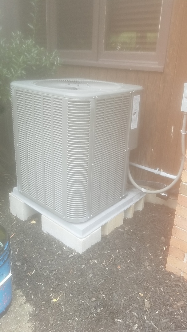 Lindenhurst, NY - Completed ac pm on a lennox split in Babylon village