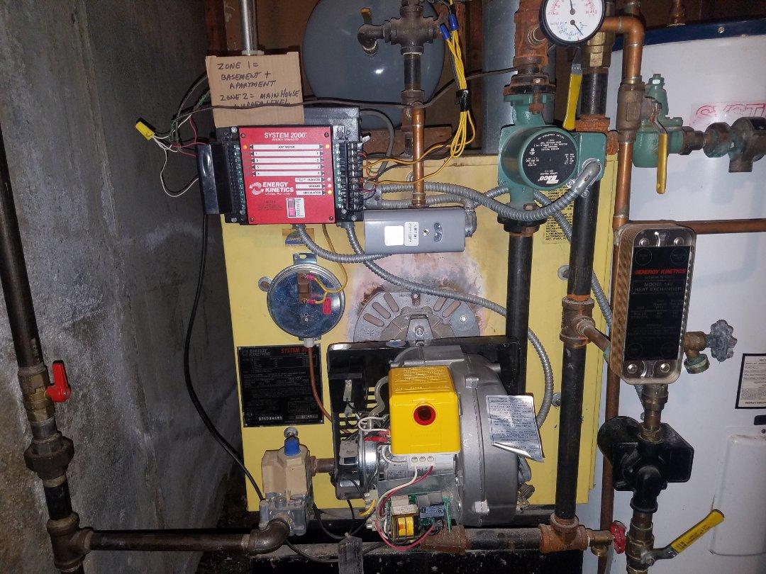 Glenwood Landing, NY - Riello Gas Energy Kinetics system 2000 Service