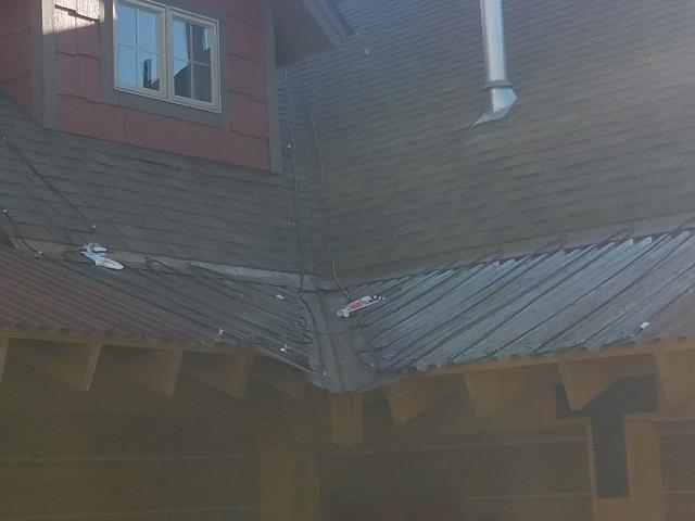 Install 66 ft. of Raychem 220 V Heat Cable Over Metal Deck Roof