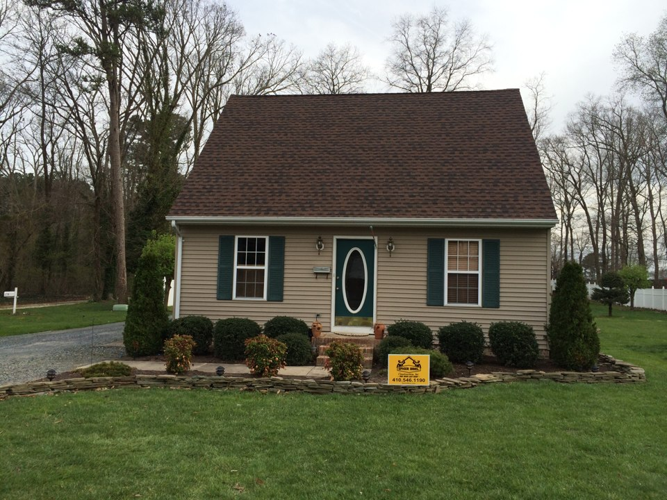 Delmar, MD - Spicer Bros. Construction roofing job. Single layer shingle removal. Installed new GAF Ultra Timberline HD Hickory shingles. Home is located in Delmar, Md.
