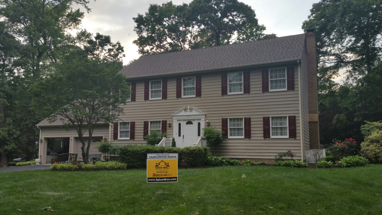 Delmar, MD - Spicer Bros Constuction removed one layer of shingles in Delmar, MD and install new GAF Timberline American Harvest Saddlewood Ranch in color on Mallard Drive.