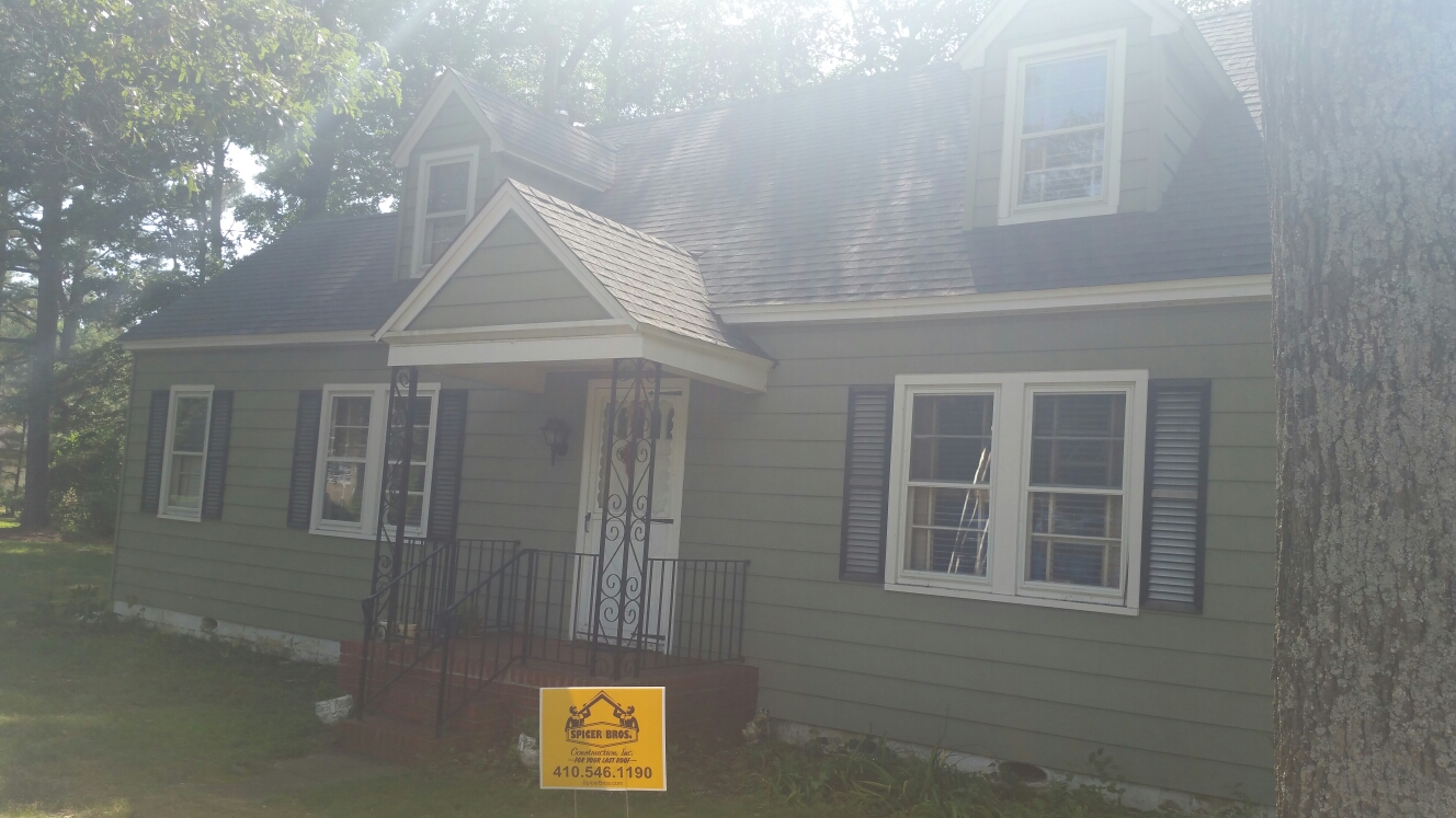 Mardela Springs, MD - Spicer Bros Constuction removed one layer of shingles in Mardela Springs, MD and install new GAF Timberline HD shingles Charcoal in color on Sharptown Road.