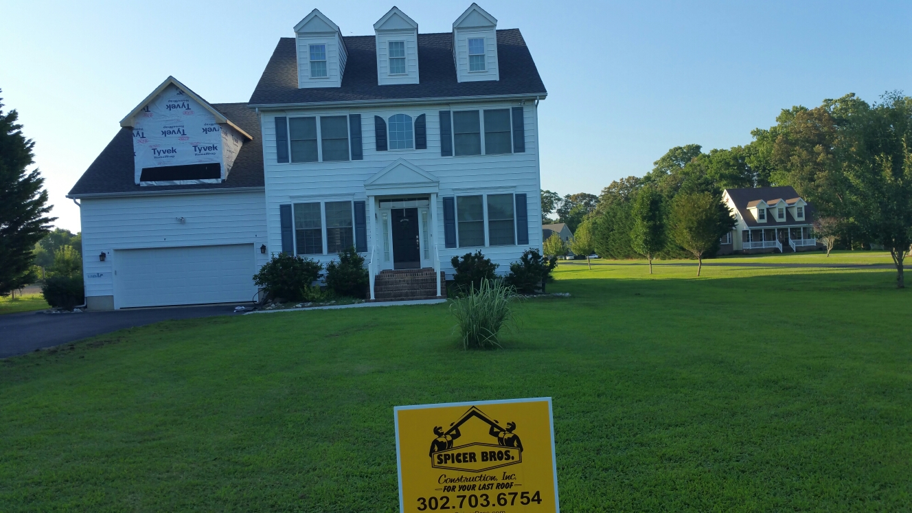 Bishopville, MD - Spicer Bros Constuction removed one layer of shingles in Bishopville, MD and install new GAF Timberline HD shingles Pewter Gray in color on Shingle landing road