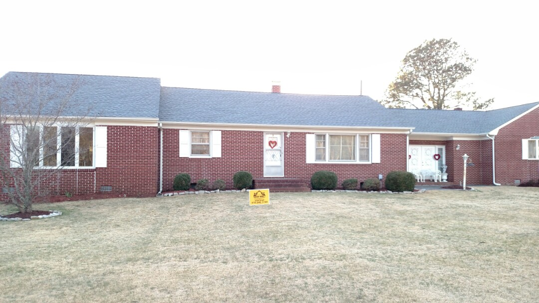 Federalsburg, MD - Spicer Bros construction installed a new roof on this house in Federalsburg Maryland using GAF Timberline shingles the color is oyster Gray