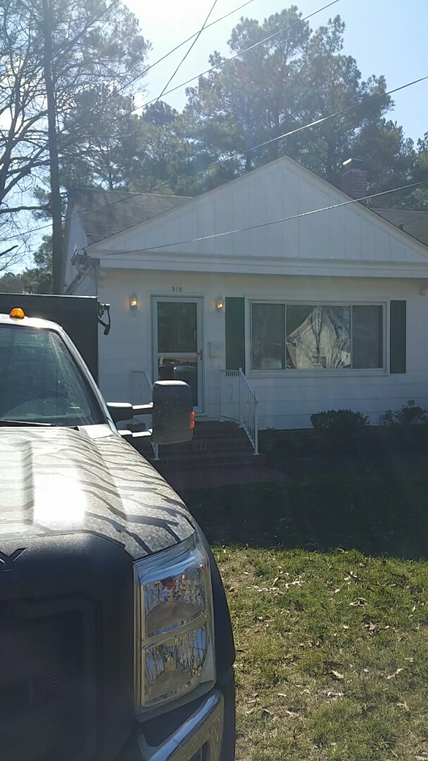 Salisbury, MD - Spicer Bros Construction installing new EPDM roof in salisbury