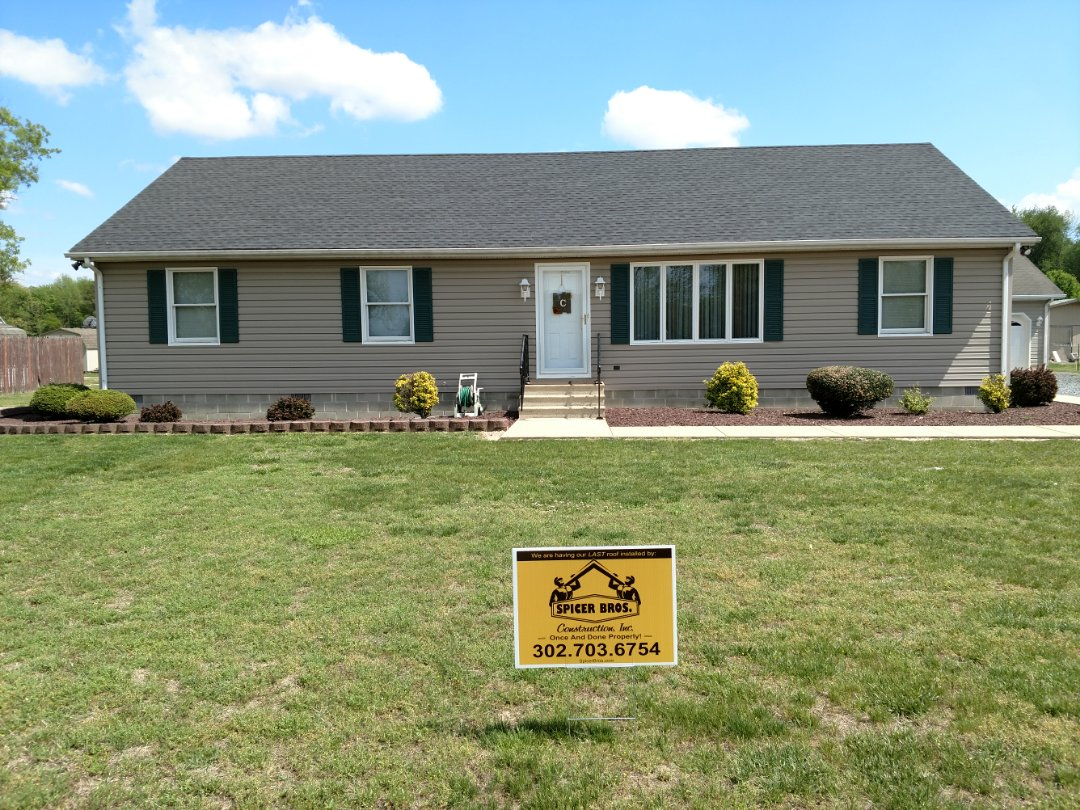Seaford, DE - Spicer Bro's Contraction removed one layer of shingles in Seaford, DE and installed new GAF Timberline HD shingles Charcoal in color.