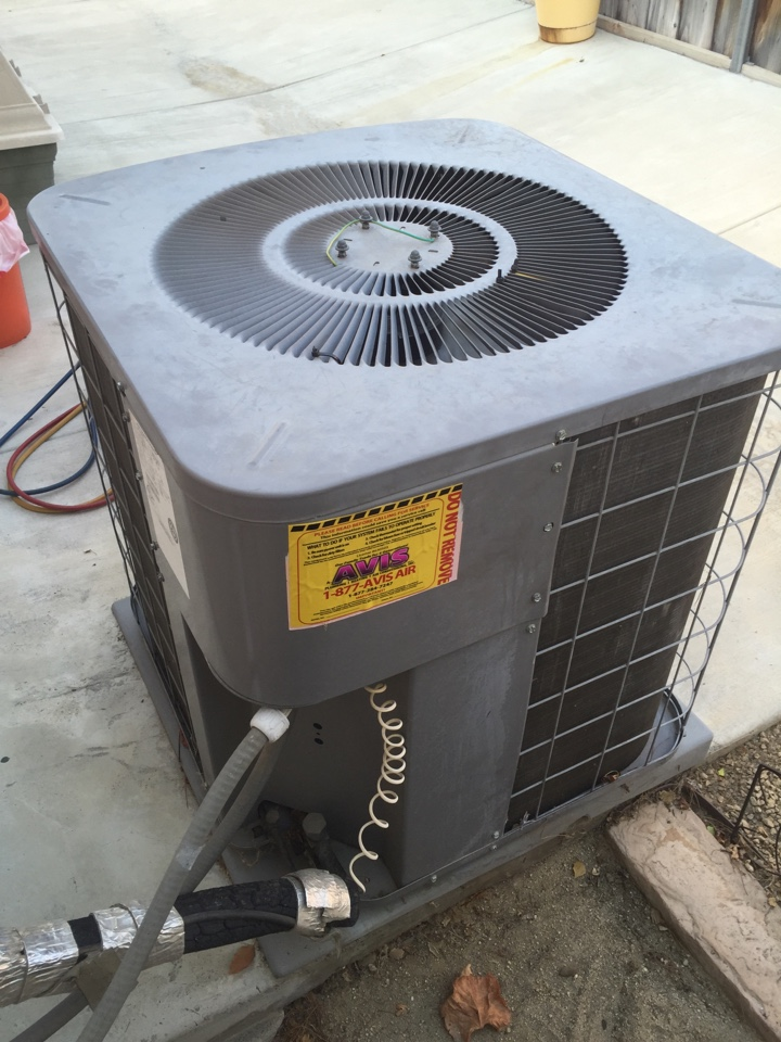 San Jacinto, CA - Avis performed diagnostics on a 2004 International Comfort condenser and found a run capacitor at 2.3/55mfd. Replaced, and system is now cooling
