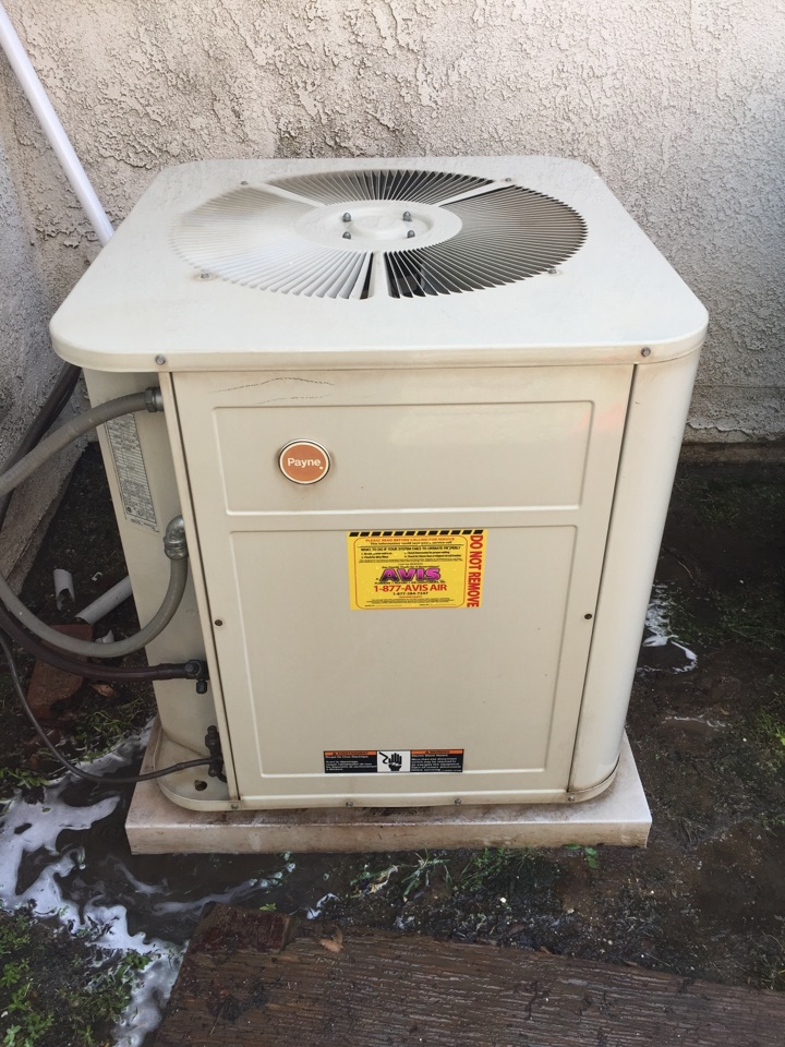 Perris, CA - Performed a $79 air-conditioning tuneup on a 1989  Payne split system. Found a multiple concerns with equipment and ductwork, and system should be replaced.