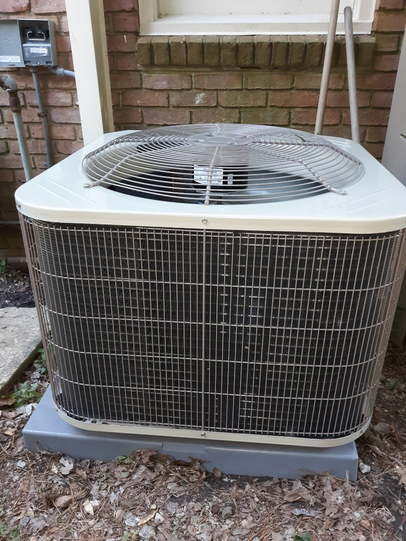 New energy efficient ac system installed for the Dodd family in Columbus, GA. Call Express Heating and Air Conditioning for all your home comfort needs 706-576-6800.