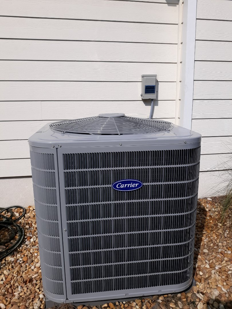 New energy efficient Carrier heat pump system installed for the Smyth family in Phenix City, AL. Thank you for trusting the team at Express Heating and Air Conditioning!!