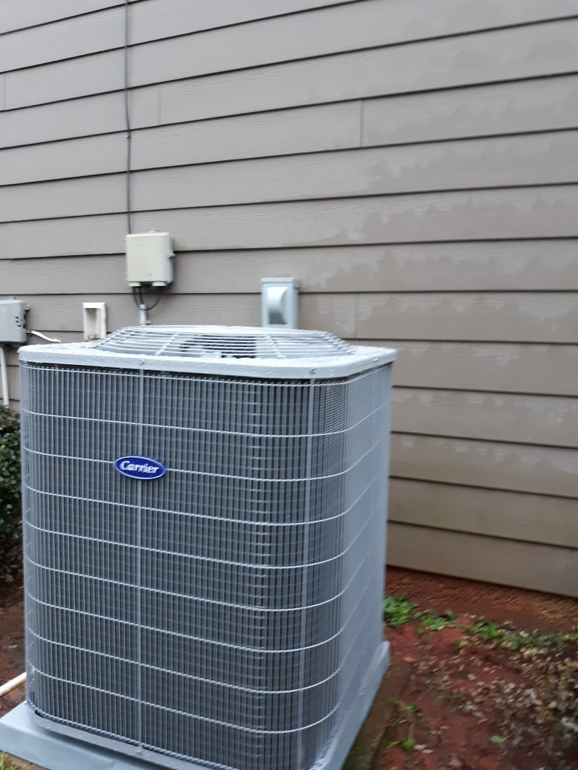 New energy efficient Carrier heat pump system installed for the Lyles' famlily in Columbus, GA. Thank you for trusting the team at Express Heating and Air Conditioning with your home comfort neeeds!!
