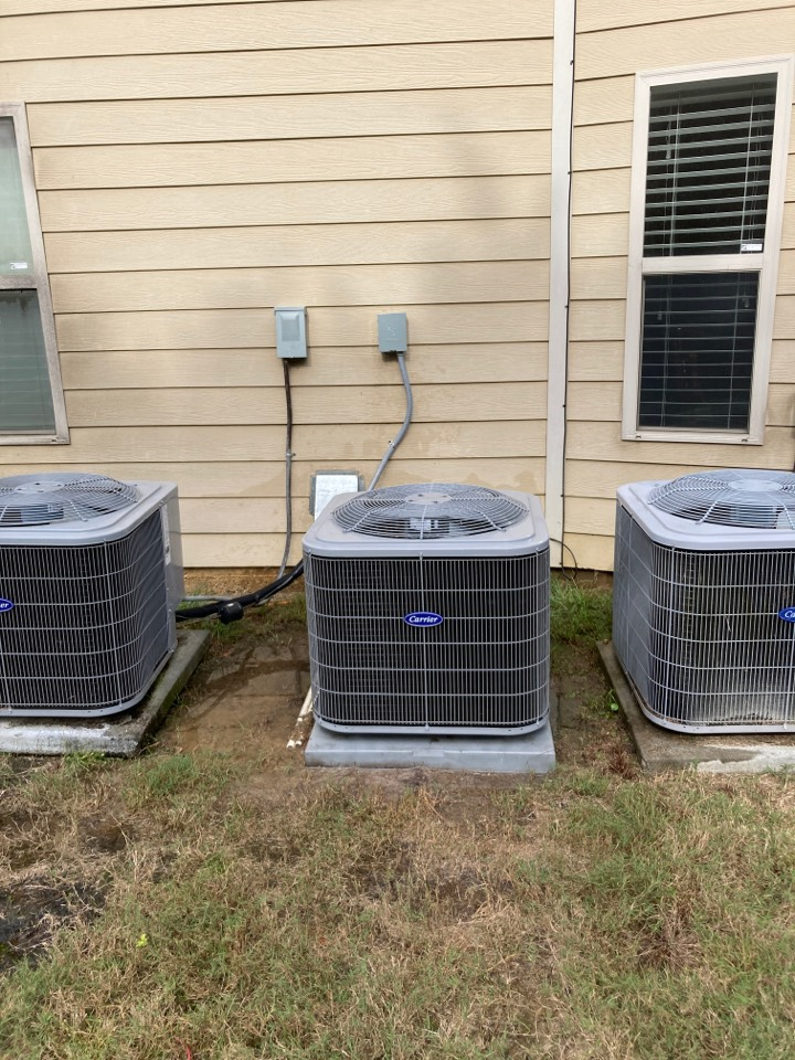 Servicing the Middle Carrier Heat pump! Ft Mitchell Alabama