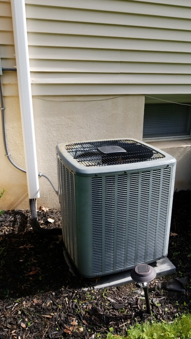 Wind Gap, PA - Routine maintenance on Central air conditioning