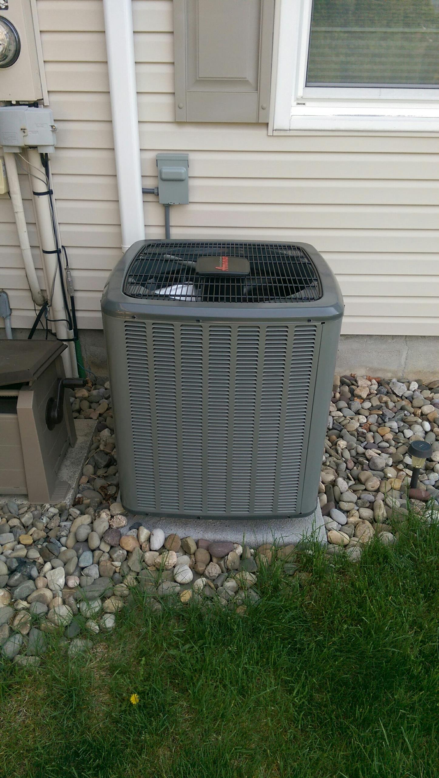 Schnecksville, PA - Tune up on an Amana air conditioning system.