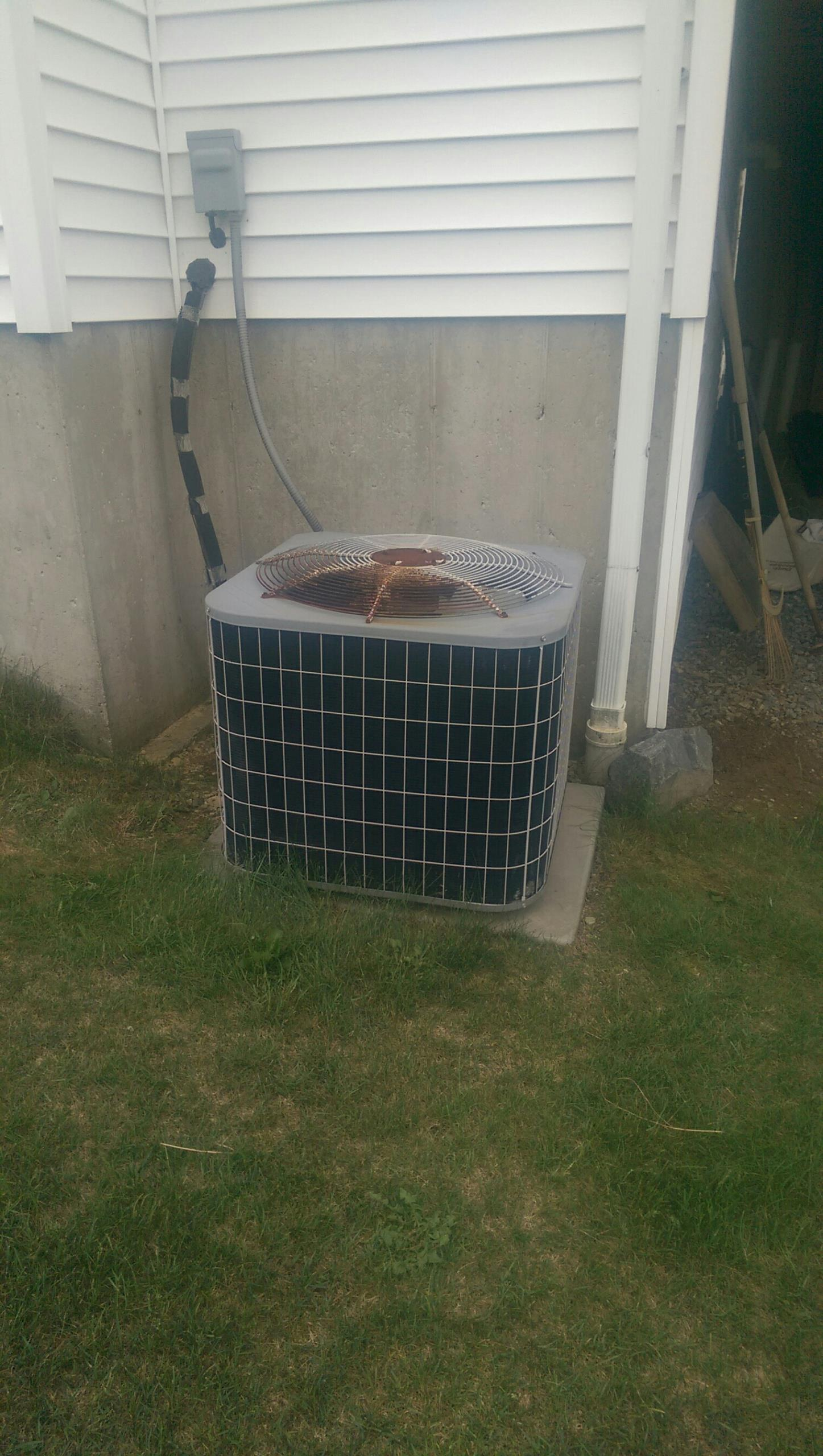 Wind Gap, PA - Air conditioner tune up on a Carrier system.
