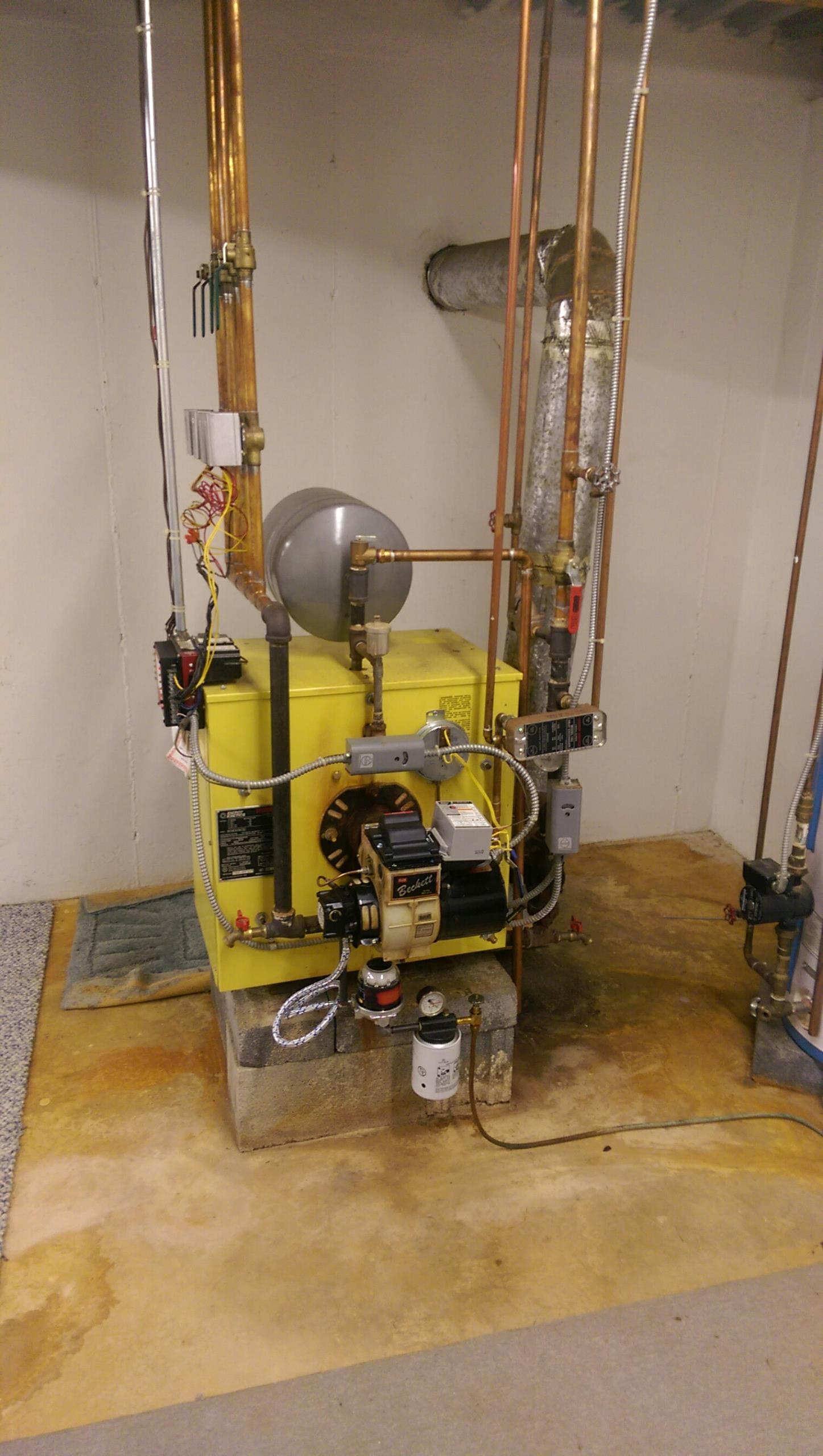 Wind Gap, PA - No hot water call. Energy Kinetics system 2000.