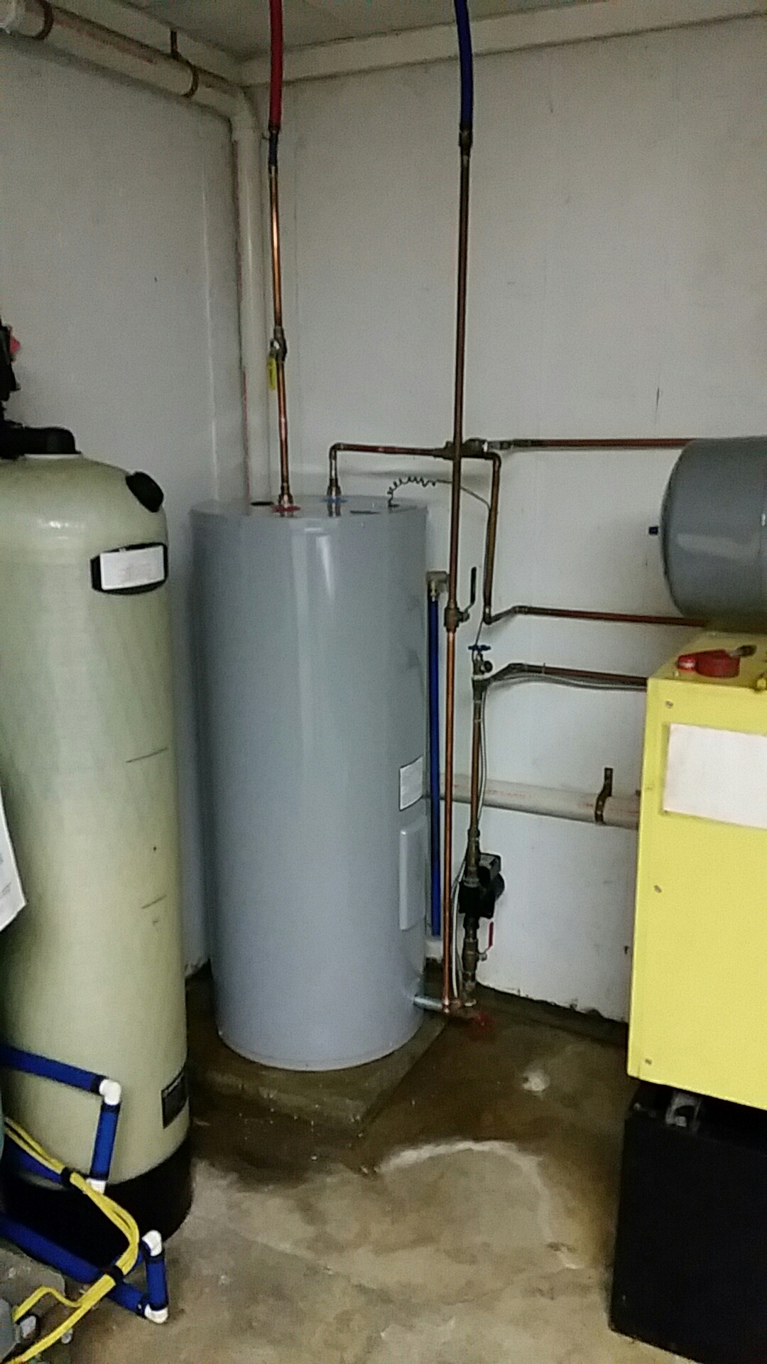Wind Gap, PA - Replacing storage tank on system 2000