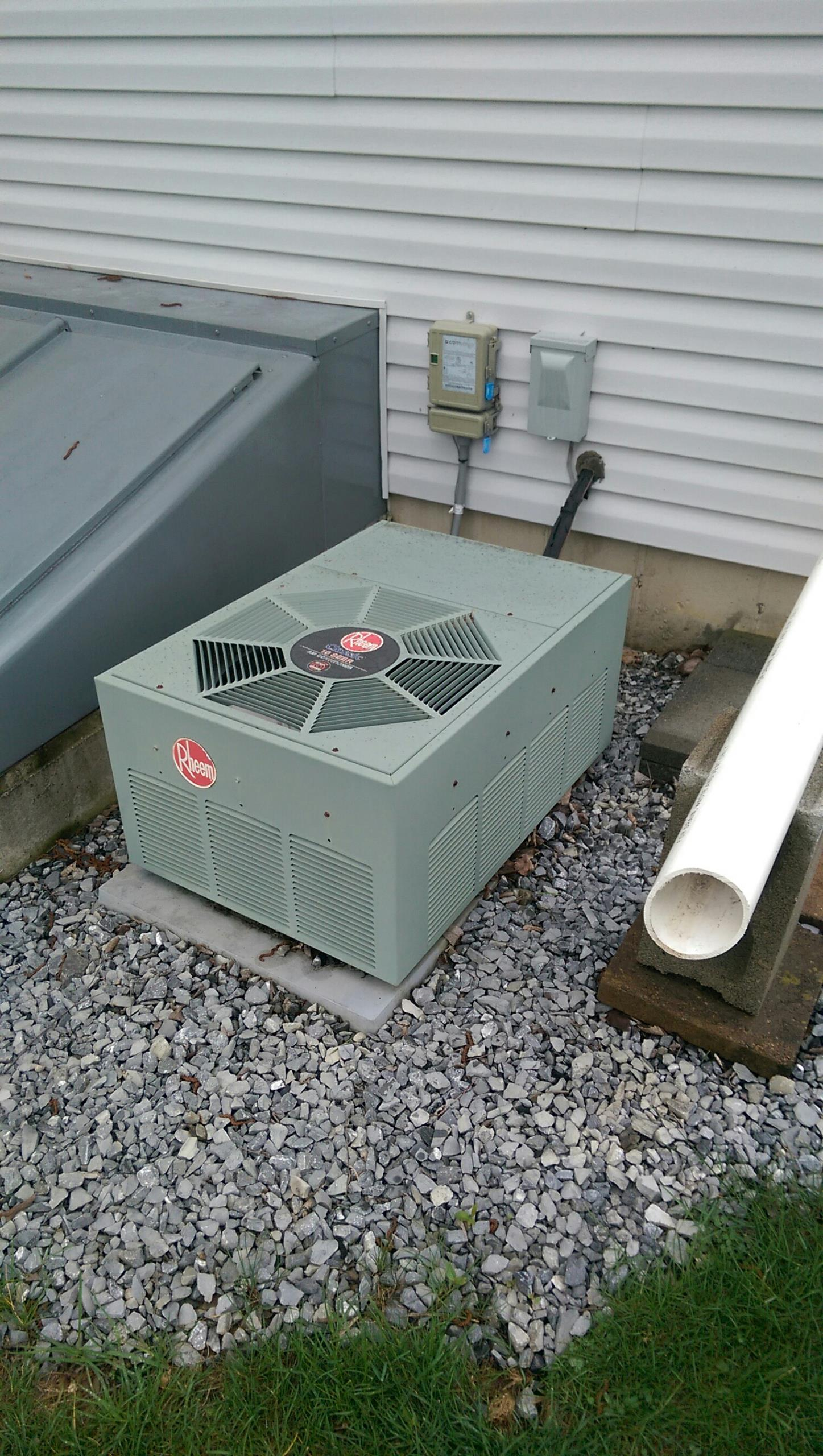 Macungie, PA - Precision tune up on Rheem classic 10 seer air conditioning system.